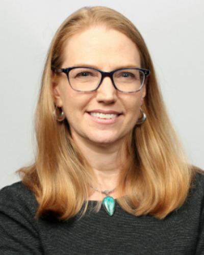 Kari L White