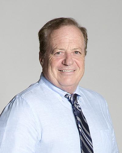 Kevin D Stark