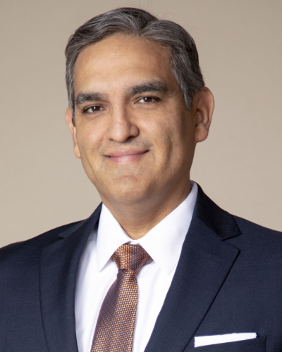 Victor B Saenz